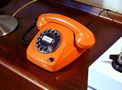 Telefonie in 70er Jahre Orange