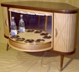 james bond barschrank der 50er. Black Bedroom Furniture Sets. Home Design Ideas