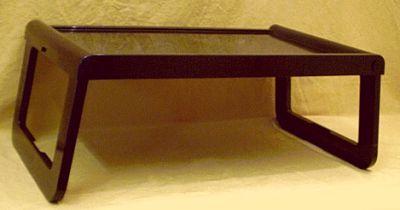 guzzini tablett tisch der 70er. Black Bedroom Furniture Sets. Home Design Ideas