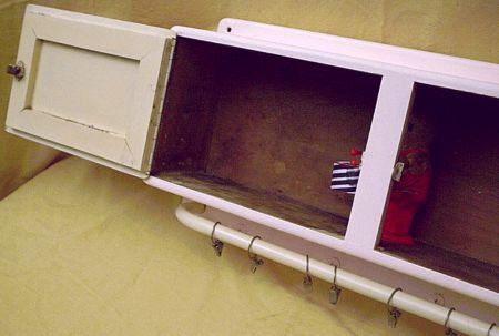 geschlossene wandschr nkchen mit geschirrtuchhalter. Black Bedroom Furniture Sets. Home Design Ideas