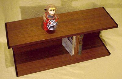 wandregal in winkel form der 60er 70er jahre. Black Bedroom Furniture Sets. Home Design Ideas