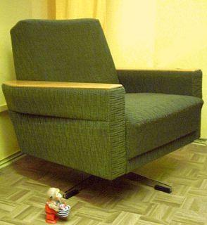 gr ne drehsessel der 60er. Black Bedroom Furniture Sets. Home Design Ideas