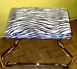 hocker mit integrierter trittleiter der 70er. Black Bedroom Furniture Sets. Home Design Ideas