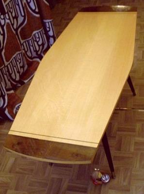 ahorn surfbrett tisch der 50er jahre. Black Bedroom Furniture Sets. Home Design Ideas