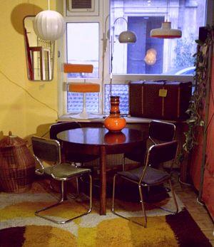 rustikaler esstisch der 70er jahre. Black Bedroom Furniture Sets. Home Design Ideas