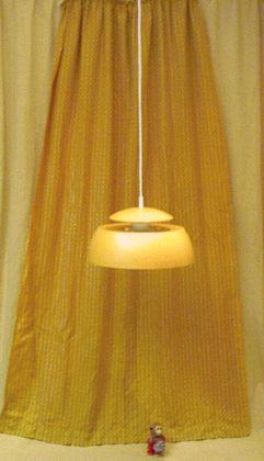 Gelbe spacige metallleuchte der 60er und 70er jahre for Bett 70er jahre